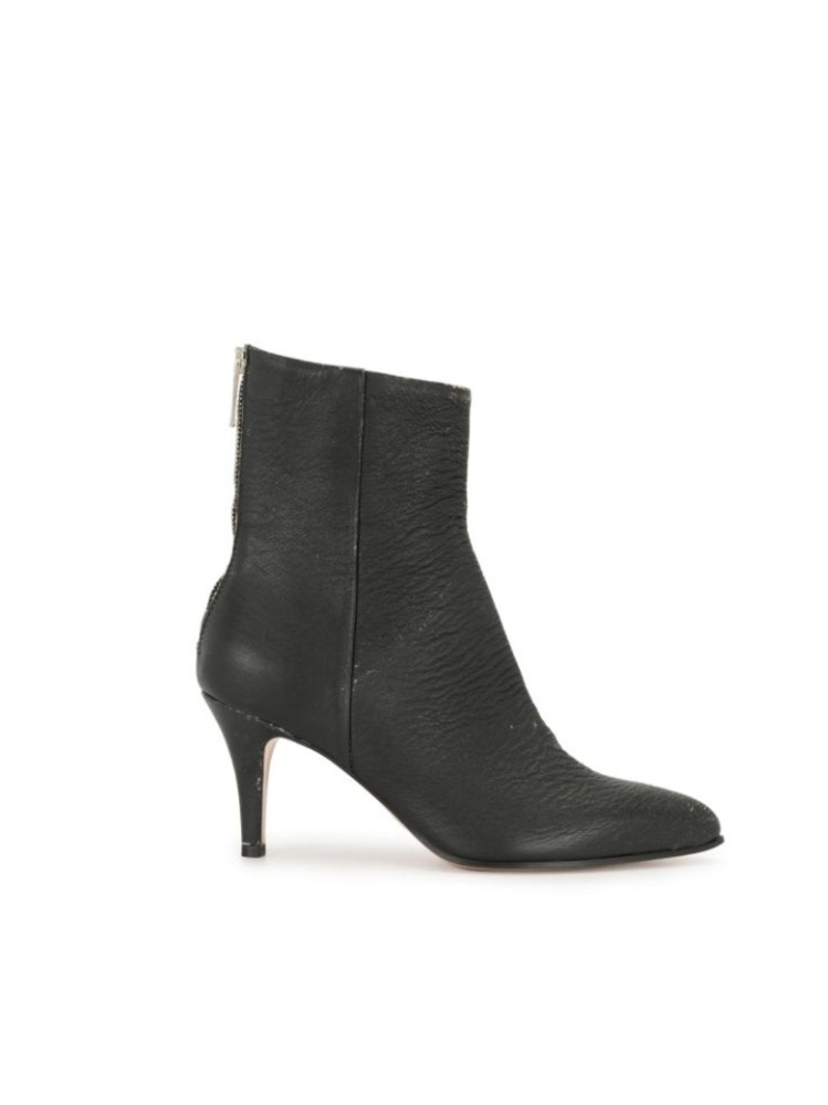 TEXTURED ANKLE BOOTS - 아데쿠베