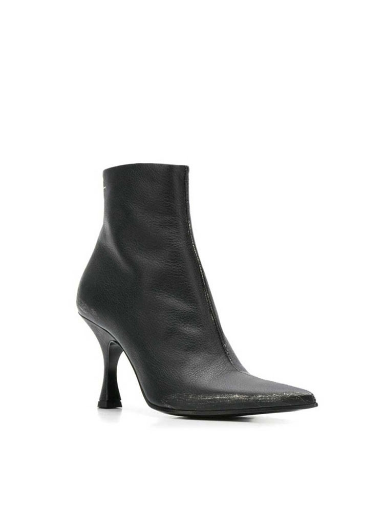 MM6 스틸레토 힐  BLACK STILETTO ANKLE BOOTS WITH DIRT - 아데쿠베
