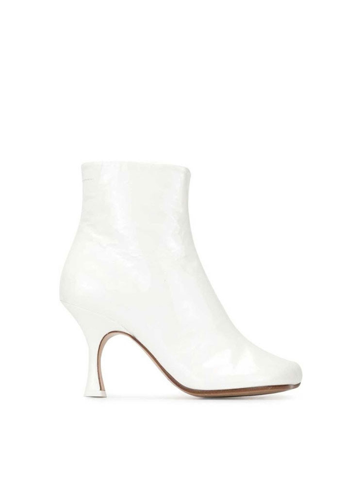 MM6 스틸레토 앵클 부츠 힐  WHITE STILETTO ANKLE BOOTS WITH DIRT - 아데쿠베